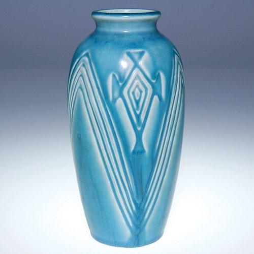 "1014: Rookwood 6"" production vase, geometric, 1927, mat"