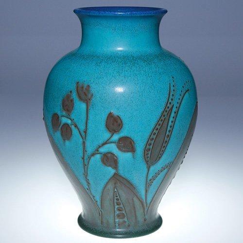 "1312: Rookwood mat vase, squeezebag, WEH, 9 3/8"""