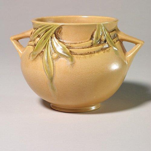 0006: Roseville Velmoss trial vase, brown, 26
