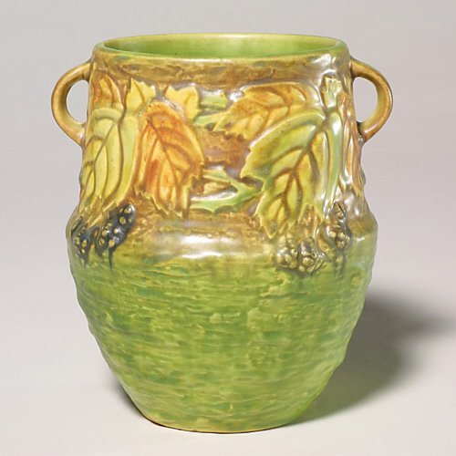 0009: Roseville Blackberry vase, 572-6, blk l