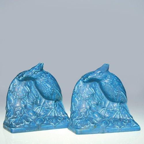 """1008: Rookwood pair 5"""" Jay Bird bookends, blue mat"""
