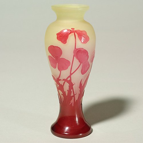 "621: Galle' cameo vase, red floral, 6"", tiny bubble"
