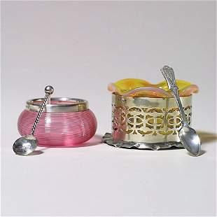 406: 2 salt cellars w/ spoons, 1 in holder