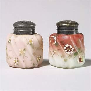 411: Pr Wavecrest salt & pepper shakers, 2 1/