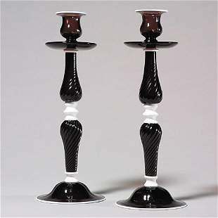 417: Pr Central Glass candleholders, magenta/