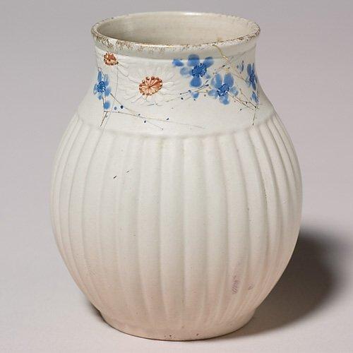 20: Rookwood Dull Finish vase, daisies, Sprague, crack,