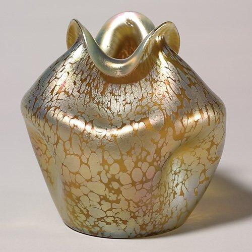 723: Loetz Papillon vase, ruffled rim, gold, oil spots,