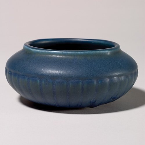 1104: Rookwood blue mat production bowl, 1918, 2 7/8 by