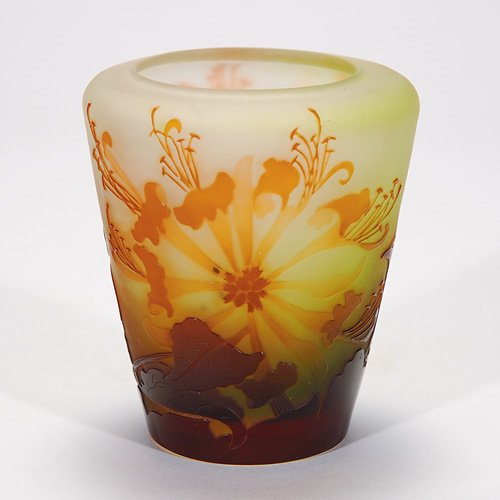 403: Galle' cameo vase, floral, 4 1/2