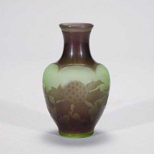 407: D'Argental cameo vase, thistles, grey-green, 3 7/8