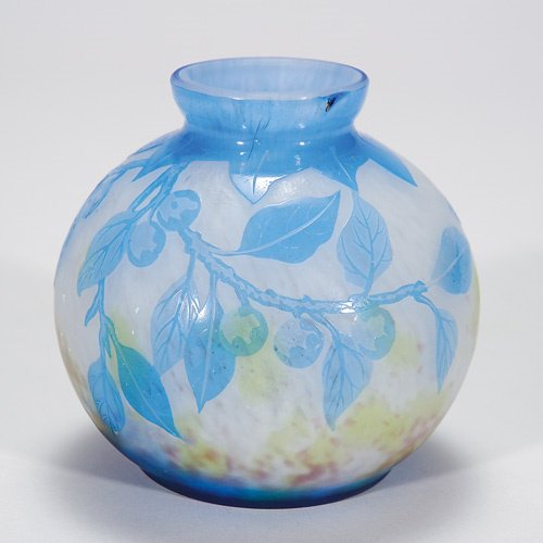 422: DeLatte cameo vase, floral, 4, impurities
