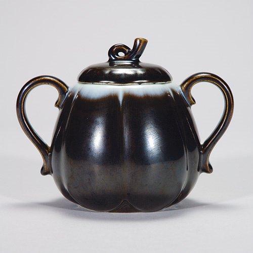 812: Rookwood 4 1/2 covered sugar bowl, 1949, #2663, Nu