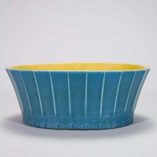 822: Rookwood production 4 X 10 1/4 mat bowl, 1926, #29