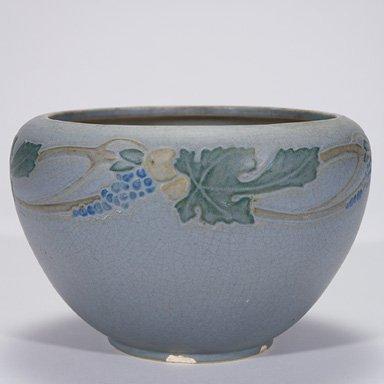 """16: Roseville Victorian Art bowl, 5 1/2"""""""