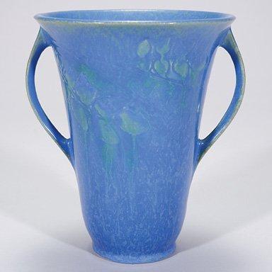 """19: Roseville Windsor high glaze, shape 550-7"""""""