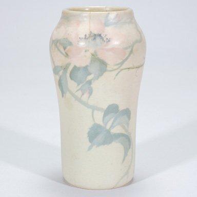 """1005: Rookwood Vellum floral, Diers, 8"""", 1907, 935 D"""