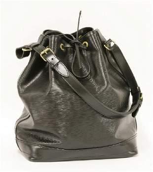 A Louis Vuitton Epi Petit No black bucket bag
