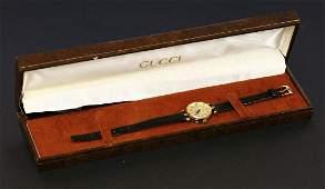 A ladies' gold-plated Gucci quartz 20000L watch