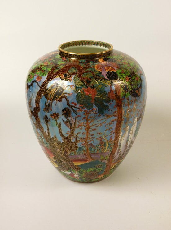 91: A Wedgwood Fairyland Lustre 'Ghostly Wood' Malfrey  - 4