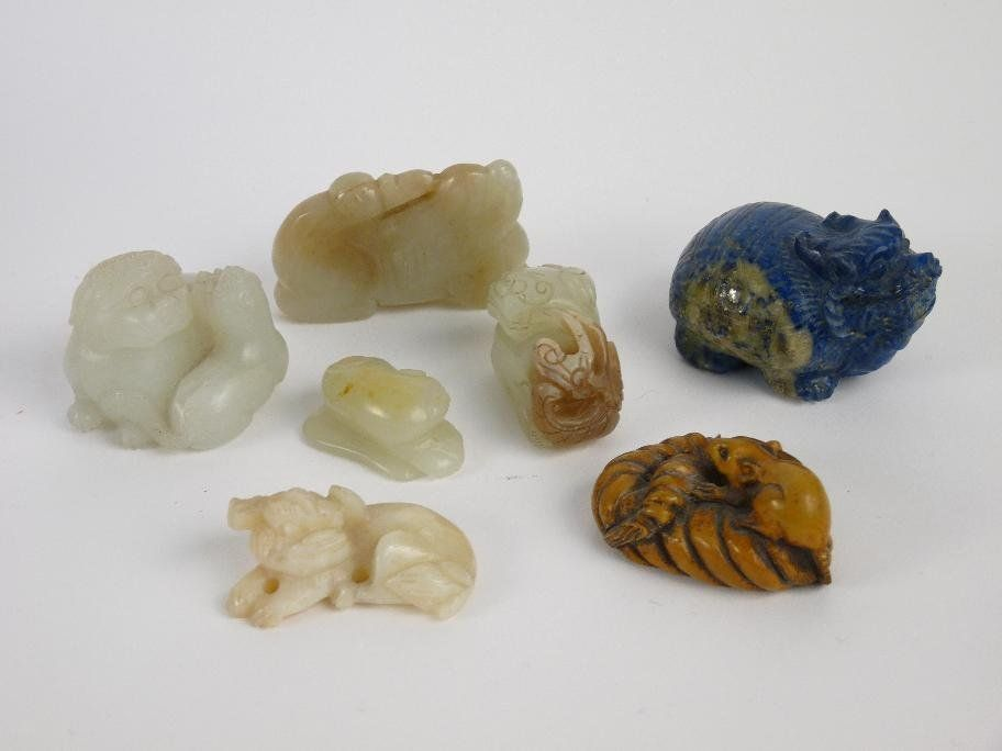 Six jadeite and quartz carvings, five kylins, and a rat