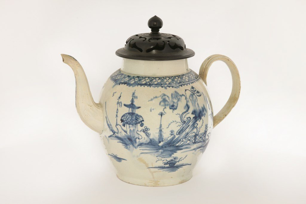 A large Yorkshire Punch Pot, c.1780, painted in