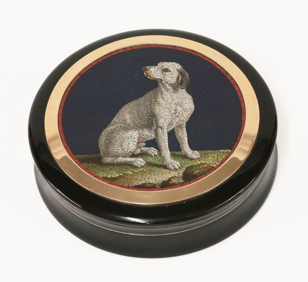 A circular lacquer tortoiseshell snuff box, mid 19th