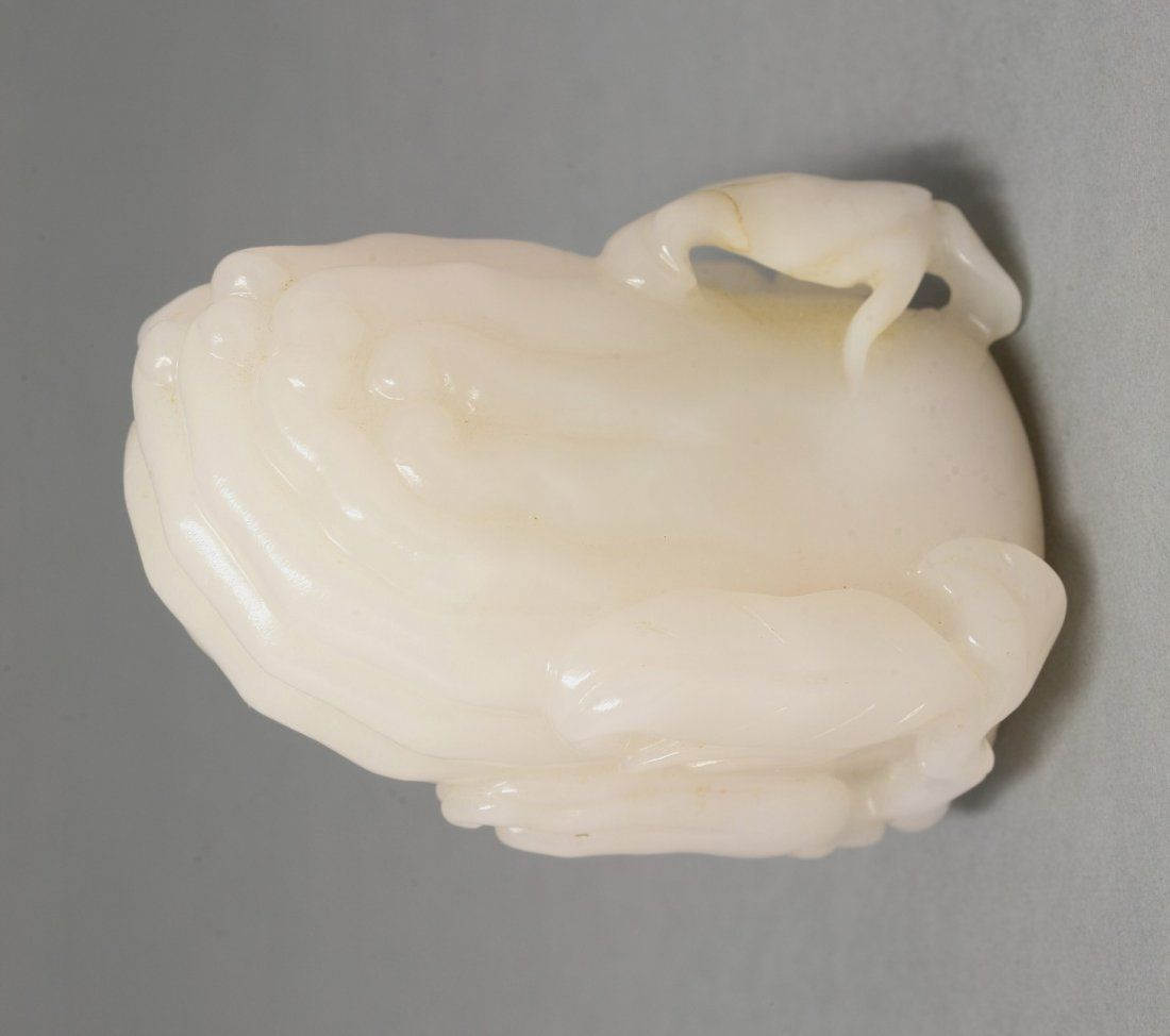 A mutton-fat jade Snuff Bottle, late 19th century, of