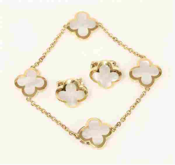 An 18ct gold 'Alhambra' bracelet and earring suite by