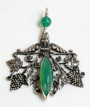 A silver Arts and Crafts chrysoprase pendant, possibly