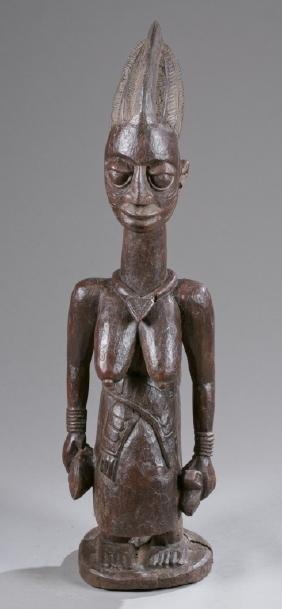 Standing female figure, Pre-1950.