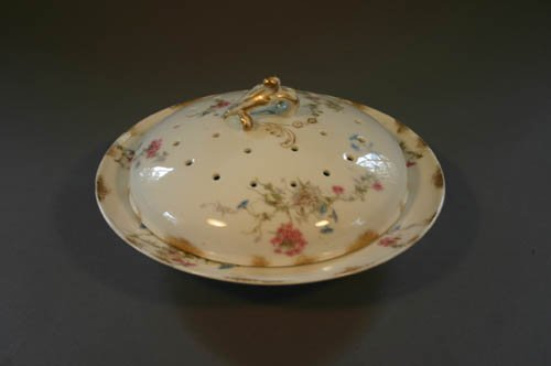 5507: Limoges covered pancake dish with pierced lid,