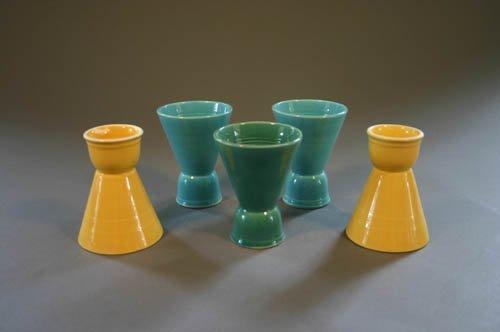 5515: Five Harlequin double egg cups, 2 yellow, 2 li