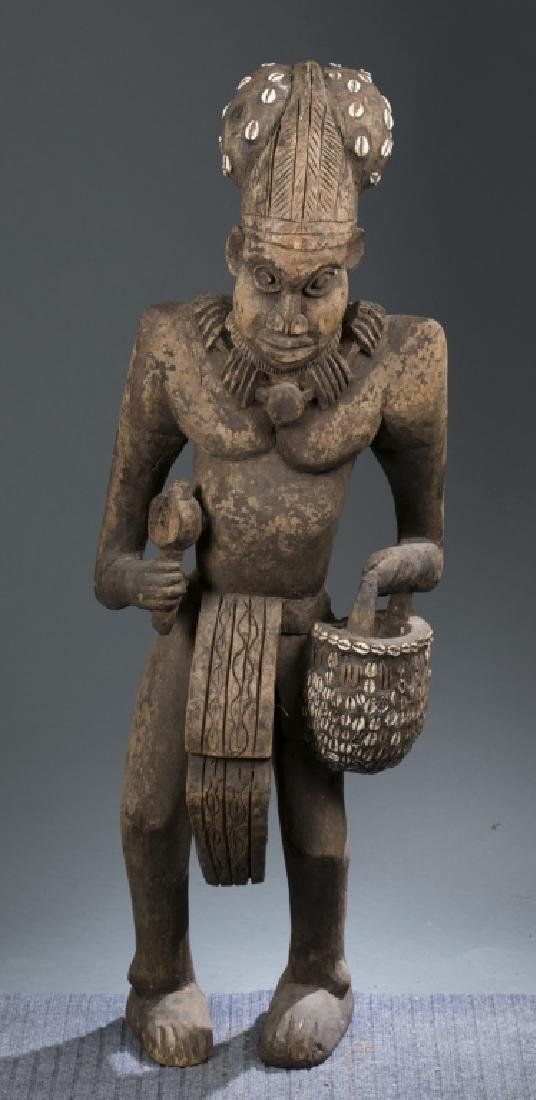 Standing Cameroon Grasslands style figure.