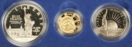 3511: US Liberty 3 coin set w/ $5 gold, 1986, UNC.
