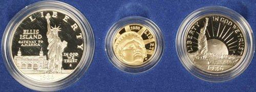 3512: US Liberty 3 coin set w/ $5 gold, 1986, UNC.