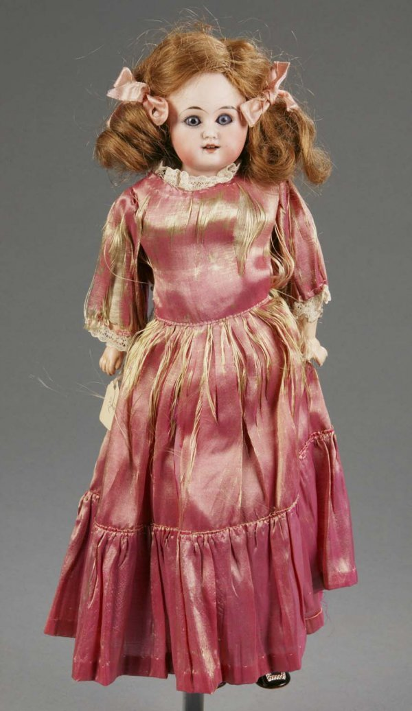 807: Early 20th century bisque shoulder head doll
