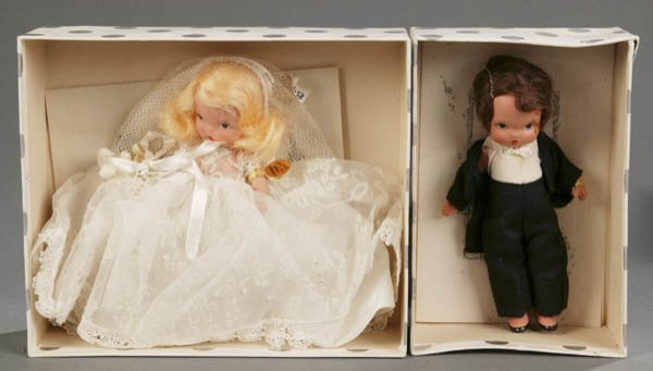 812: Nancy Ann Story Book Bride and Groom dolls