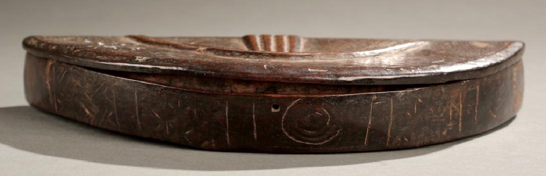 Kuba carved lidded box, 19th century.