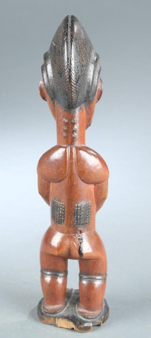 2 West African figures, 20th century. - 4
