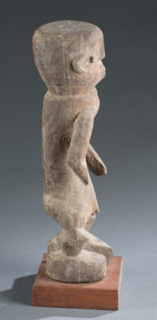 Nigerian standing male figure. 20th century. - 3