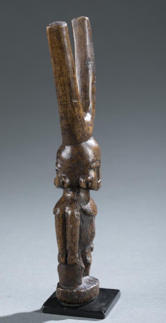 Akan style figural slingshot. c.20th century. - 2