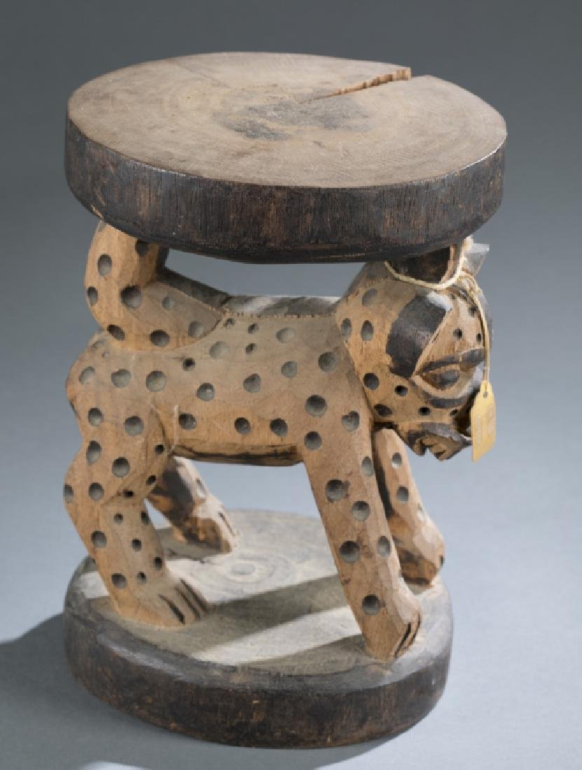 3 Cameroon style objects. c.20th century. - 10