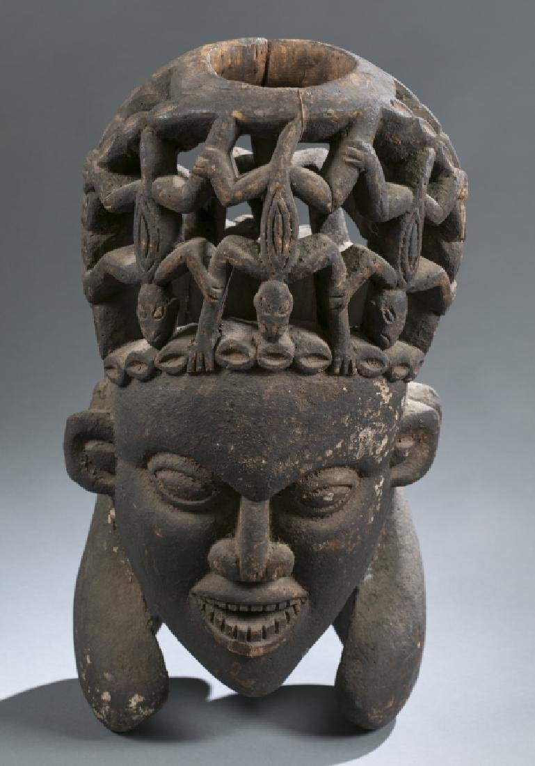 3 Cameroon style objects. c.20th century. - 3