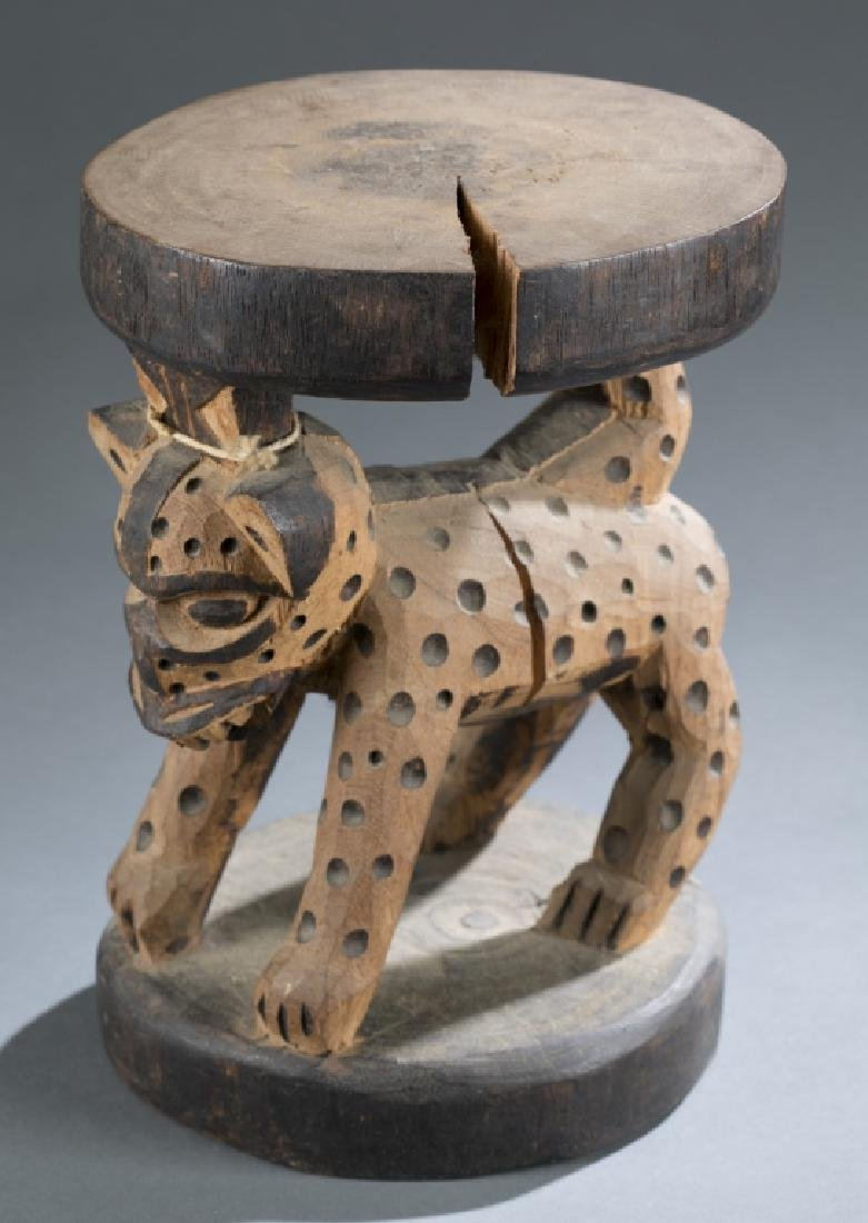3 Cameroon style objects. c.20th century. - 9