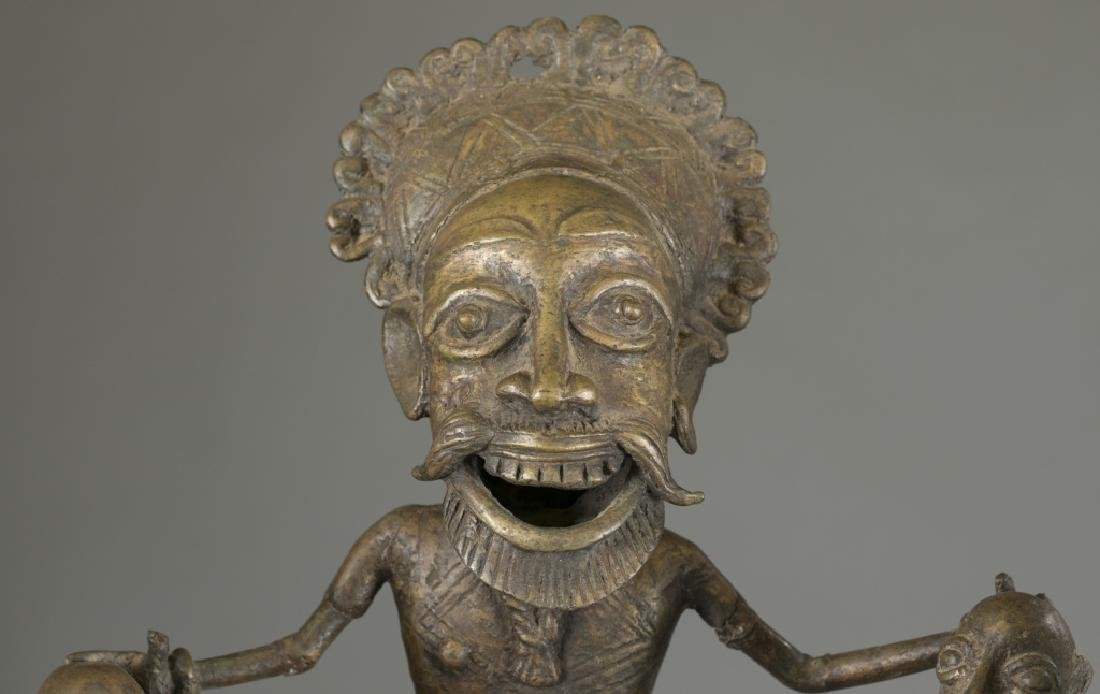 2 Cameroon style objects. c.20th century. - 9