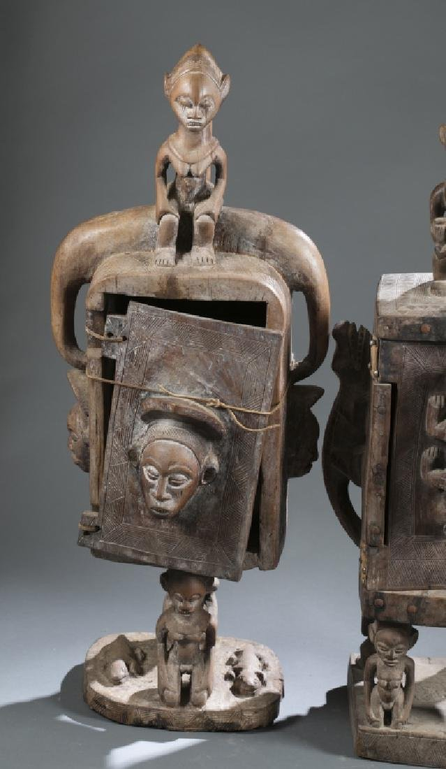 2 Gabon style sculptures. C.20th century. - 8