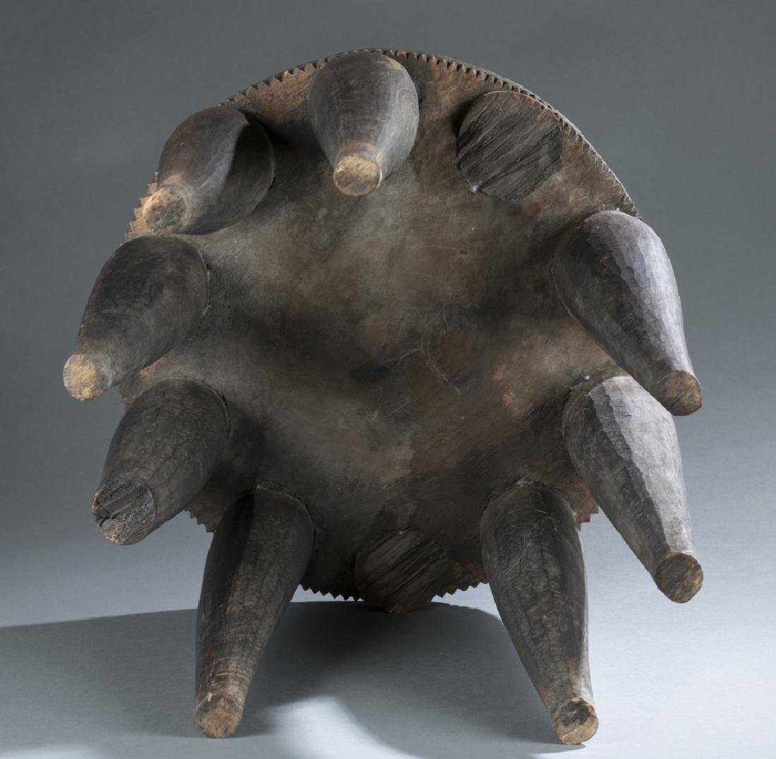 Group of 5 African style objects. - 3