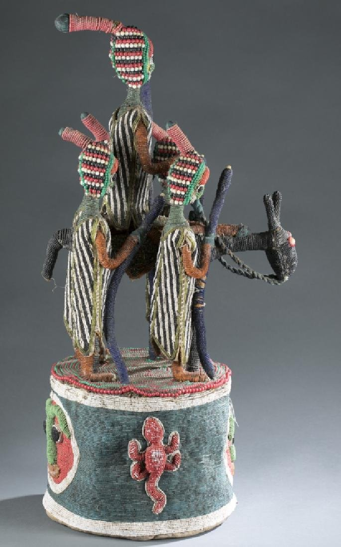 2 Yoruba style beaded objects. c.20th century. - 5