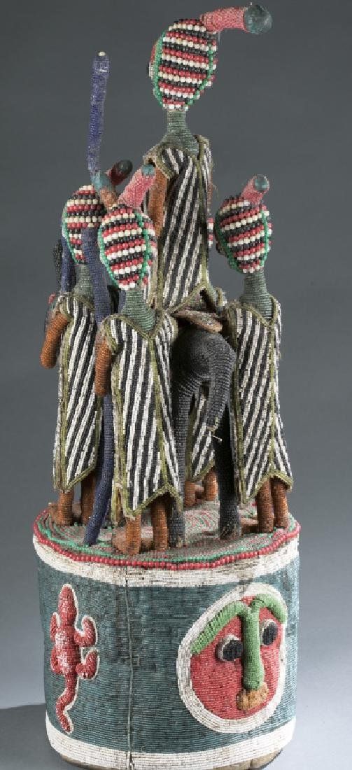 2 Yoruba style beaded objects. c.20th century. - 6