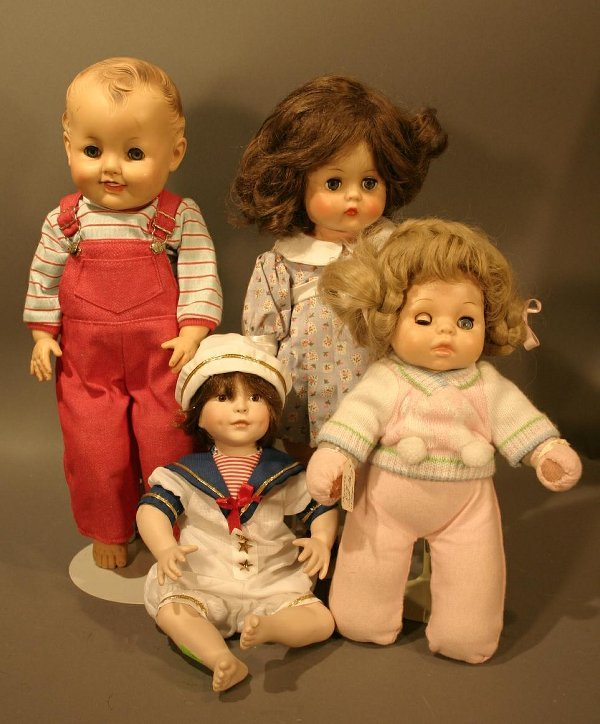 608: Lot of musical dolls; including Musical Horsman (n
